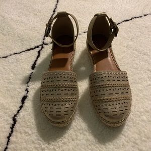 Indigo rd. Gold espadrille sandals